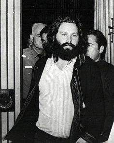 Jim leaves court in Miami, Florida 1970 Jim Morison, Back Door Man, The Doors Of Perception, Greatest Rock Bands, Tortured Soul, John Paul, Classic Rock, Kurt Cobain, In My Feelings