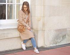 #womensfashion #fashion #outfit #camelcoat #stripes #sneakers #winterfashion #fallfashion #myaritzia