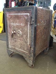 Antique Safe, Safe Vault, Welding, Locks, Antiques, Vintage, Ideas, Home Decor, Antiquities