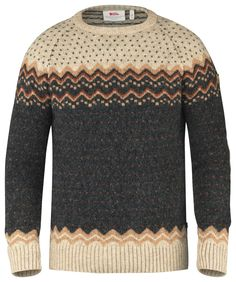Comfortable sweater in soft, warm wool for everyday use and relaxed outdoor life. A beautiful patterned garment that also has excellent functionality as wool wicks away moisture from base layer garmen