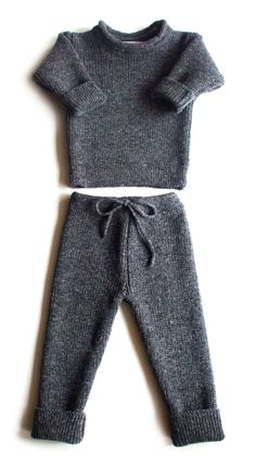 Babies/Children's knitted lambswool Sweater and Pants set /winter/pink/blue/gray/rollneck/thick/cardigan/jumper/trousers Babies/Children's knitt Baby Pants Pattern, Baby Sweater Knitting Pattern, Baby Boy Knitting, Baby Knitting Patterns, Kids Winter Fashion, Kids Fashion Boy, Little Fashion, Baby Outfits, Cute Outfits For Kids