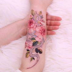 Snake Art, Little Tattoos, Finger Tattoos, Henna, Watercolor Tattoo, Piercings, Flowers, Tattoo Ideas, Bulldogs
