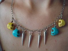 happy skulls necklace