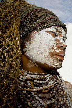 photograph : Eric Laforgue /  Papua New Guinea - funerals
