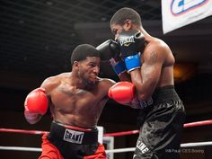 Photo courtesy of Will Paul UNDEFEATED JUNIOR WELTERWEIGHT Khiary Gray (left) of Worcester, Mass., seen here in his November 2014 bout against Vincent Floyd, looks to keep his unbeaten record and k…