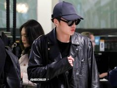 [HD] 151006 #히드로공항 LHR Airport back to Korea - #위너 Winner Seungyoon (5) 댄스댄스~ #강승윤 #WinnerinUK