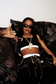 """justaaliyahofficial: """" Aaliyah Age Aint Nothing But A Number Tour – New York """" - Fashion New York Fashion, 2000s Fashion, Hip Hop Fashion, Black 90s Fashion, 90s Fashion Grunge, Fashion Brands, Aaliyah Outfits, Aaliyah Style, Aaliyah Aaliyah"""
