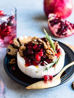 Cranberry Pomegranate Baked Brie - stunning in presentation but so very simple to prepare, this easy appetizer is festive and holiday-ready. Stunning in presentation but so very simple to prepare, this easy appetizer is festive and holiday-ready. Baked Brie Appetizer, Appetizer Recipes, Party Appetizers, Dessert Recipes, Cheese Appetizers, Recipes Dinner, Baked Brie Recipes, Steak Recipes, Pizza Recipes