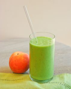Peach and Spinach Smoothie