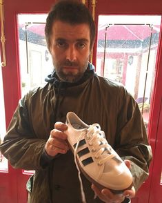 Liam Gallagher Oasis, Beady Eye, Pretty Green, Wonderwall, Great British, Rock And Roll, Hiking Boots, Indie, Stars