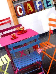 mobiliario frances para cafeterias-panaderias o exterior  http://www.fermob.com/