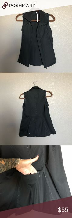 Lululemon Vest Warn once lightly! Super flattering. Moving to warmer weather and don't need it anymore. Smoke free home lululemon athletica Tops