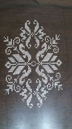 Cross Stitch Tattoo, Palestinian Embroidery, Bargello, Pixel Art, Crochet, Embroidery Stitches, Diy And Crafts, Create, Flowers
