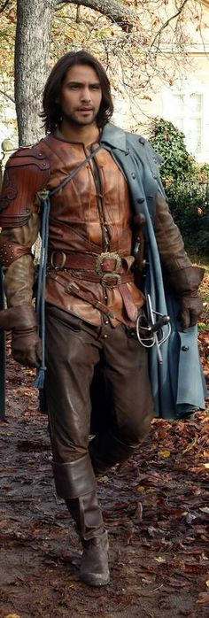 D'Artagnan - The Musketeers Bbc Musketeers, The Three Musketeers, Luke Pasqualino, Leather Armor, Fantasy Costumes, Cosplay, Renaissance Fair, Movie Costumes, Film Serie