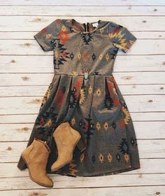 Super cute print on the dress.and booties. Lula Roe Outfits, Mode Outfits, Fall Outfits, Fashion Outfits, Cute Dresses, Casual Dresses, Casual Outfits, Fall Dresses, Jw Mode