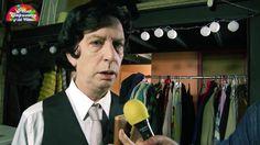 [01:00] #PeterCapusotto Casi a la medianoche, por la @TV_Publica