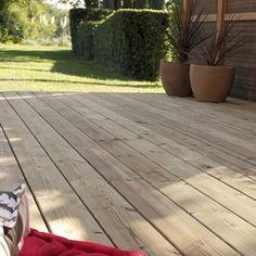 posare-un-pavimento-da-esterno-in-legno-composito