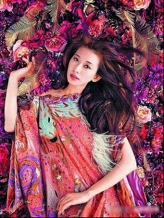 Mika Ninagawa for Vogue Taiwan Passion Photography, Photography Women, Portrait Photography, Japan Advertising, Lin Chi Ling, Mika, Japanese Costume, Human Art, Creative Photos