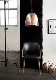 En lättplacerad trendig droppe koppar är Dagg taklampa av vår tillverkare Lyktan Bankeryd Belysning. Pris EM.com
