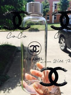 Gorgeous designer travel water bottle perfect fit for handbag. Made of glass BRAND NEW! Cute Water Bottles, Best Water Bottle, Glass Water Bottle, Glass Bottles, Drink Bottles, Diy Tumblers, Custom Tumblers, Chanel Party, Chanel Decor