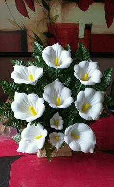 Church Flower Arrangements, Beautiful Flower Arrangements, Floral Arrangements, Beautiful Flowers, Paper Flowers Diy, Flower Crafts, Flower Stamen, Alcohol Ink Crafts, Glass Flowers