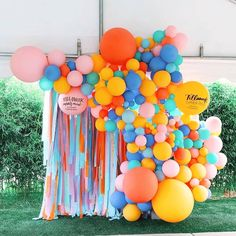 How about all the colours? This streamer and balloon wall captures the very meaning of the word party, they create such a happy and fun… Balloon Installation, Balloon Backdrop, Balloon Wall, Balloon Garland, Balloon Decorations, Streamers, Birthday Decorations, Birthday Party Themes, Balloons