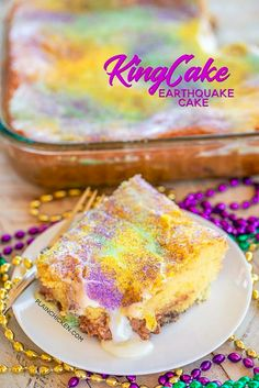 Mardi Gras Desserts, Mardi Gras Food, Easy Cake Recipes, Dessert Recipes, Donut Recipes, Earthquake Cake Recipes, Cupcake Cream, Cream Cake, Ice Cream