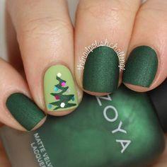Green Matte Christmas Manicure