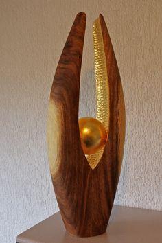 Sculpture Stand, Tree Sculpture, Abstract Sculpture, Sculptures, Woodworking Art Ideas, Driftwood Lamp, Concrete Sculpture, Wooden Figurines, Wood Creations