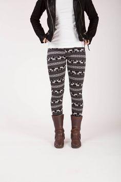Garnet - Winter warme legging met fleece Leg Warmers, Garnet, Winter, Fashion, Leg Warmers Outfit, Granada, Winter Time, Moda, Fashion Styles
