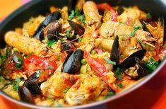 Antipasto, Paella Valenciana illimitata per 2 persone e Sangria Spanish Dishes, Spanish Food, Spanish Paella, Seafood Paella, Places To Eat, Food Dishes, New Recipes, Sangria, Lunch