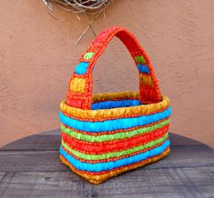 """Locker hook a basket with bright fabric strips in """"ruched frames,"""" jute twine and add a handle. Locker Hooking, Rug Hooking, Beading Projects, Diy Projects, Clothes Hooks, Crazy Colour, Fabric Strips, Jute Twine, New Crafts"""