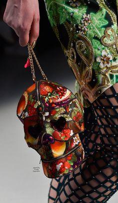 Manish Arora at Paris Fashion Week Fall 2015 - Details Runway Photos Fashion Bags, Fashion Accessories, Paris Fashion, Manish Arora, Skull Fashion, Skull And Bones, Fall Winter 2015, Fashion Details, Timeless Fashion