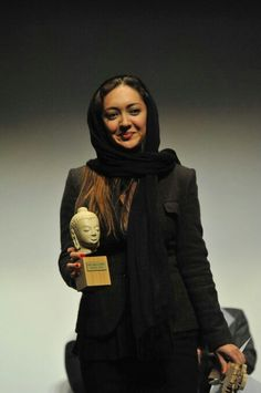 """Niki Karimi : won the Audience Award for Best Film and Best Film at the Festival in France to play in the movie """"final whistle"""" Iranian Beauty, Iranian Actors, Famous Women, Strong Women, Hijab Fashion, Actors & Actresses, Celebrities, Hijab Styles, Hijabs"""