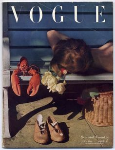 Vintage British Vogue 'Sea and Country' cover by Norman Parkinson, July 1949 Vogue Magazine Covers, Fashion Magazine Cover, Fashion Cover, Édito Vogue, Vogue Wallpaper, Foto Fashion, Vogue Fashion, Gothic Fashion, High Fashion