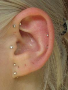 Kind of like the top lobe piercing. Multiple Ear piercings done by Miss Demeanour beauty and body Unusual Piercings, Multiple Ear Piercings, Top Ear Piercing, Peircings, Tragus, Jewelry Box, Jewelery, Body Art, Blog