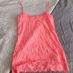 Maurice's crinkle lace cami in coral size S NWT!! This is brand new! Coral/salmon color Maurices Tops Camisoles
