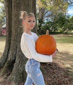 Women S Fashion Trivia Questions Small Bff Tattoos, Pumpkin Patch Corn Maze, Grey Pumpkin, Gray Instagram, Girls Diary, Girls 4, Loren Gray, Hot Selfies, Grey Outfit