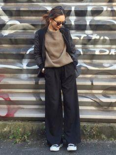 mueさんのコーディネート Japan Fashion, Fashion 2018, High Fashion, Style Fashion, Fashion Pants, Fashion Outfits, Mature Fashion, Casual Chic Style, Minimal Fashion