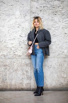 The Best Street Style Looks From Paris Fashion Week Fall 2020 Autumn Street Style, Street Style Looks, Cool Street Fashion, Paris Fashion, French Brands, People Sitting, Style Snaps, Latest Trends, Mom Jeans