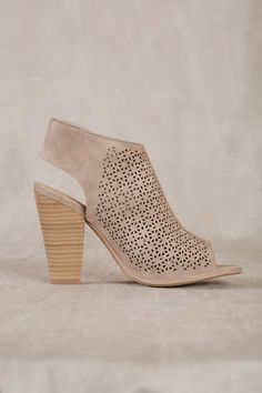 2894af9cea11 Open-toe taupe sandal with block heel Taupe Sandals