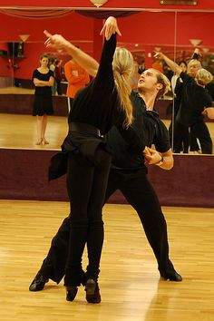 Ricardo Yulia two of my favorite dancers of all time.