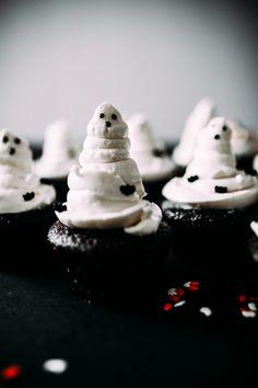 Spooky Chocolate Cupcakes - Food Recipes :)