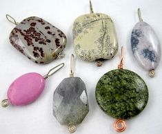 Video tutorial: Making simple wire pendants  Pinning this to remind myself to make bigger bails.