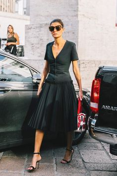 Summer street style fashion #fashion #womensfashion #streetstyle #summerfashion / Pinterest: @fromluxewithlove / www.fromluxewithlove.com