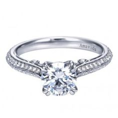 Love the detailing on this engagement ring from Wedding Day Diamonds!
