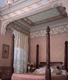 Victorian Home Art Wallpaper | Morris Tradition | Bradbury & Bradbury
