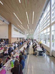 cafeteria and library is combined, like wood slats Cafeteria Design, Light Architecture, School Architecture, Linear Lighting, Lighting Design, University Architecture, Hospital Design, Library Design, Wood Design