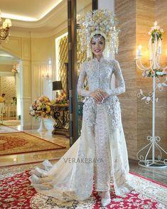 Weddingday Dress By Me  F F   Suntiang Usahaibu_pelaminan ___ Pengantin Pernikahan Baralekminang Minang