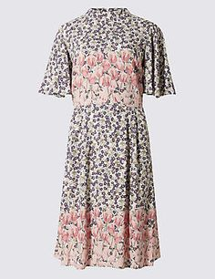 Buy the Floral Dress from Marks and Spencer's range. Festival Outfits, Festival Fashion, Fit Flare Dress, Fit And Flare, Occasion Dresses, Fashion Beauty, Women Wear, Two Piece Skirt Set, Short Sleeve Dresses